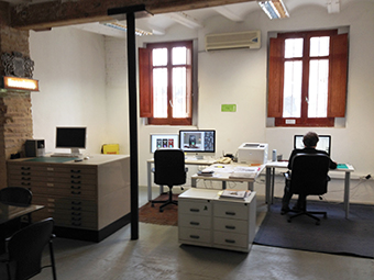 estudio interior peque